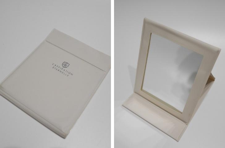 100円均一の折り畳み鏡